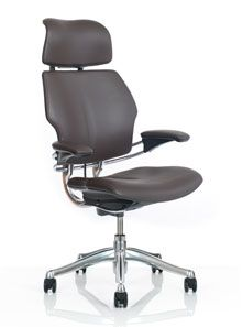 Freedom Task Chair With Headrest Ergonomic Seating From Humanscale Http Www Ergonomicconsul Office Chair Ergonomic Office Furniture Executive Office Chairs