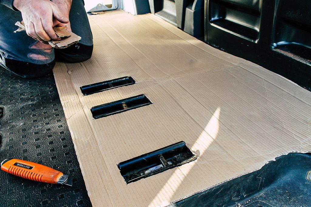 Vom Transporter Zum Camper Boden Und Untergrund Take An Advanture Camper Umbau Wohnmobil Umbau T5 Transporter