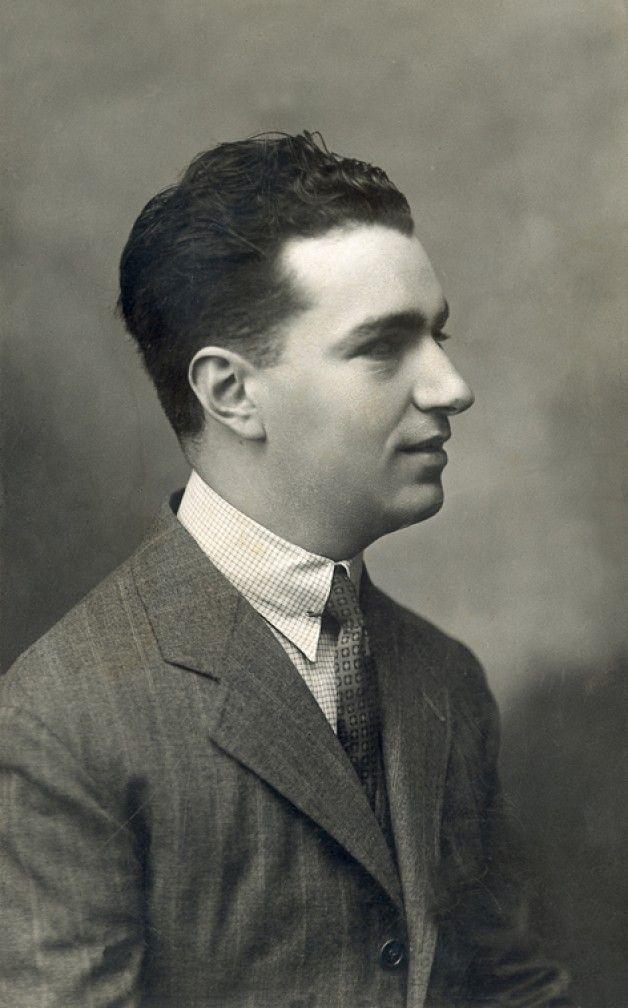 Joaquín Rodrigo In 1925 His Most Famous Work Concierto De Aranjuez Was Composed In 1939 In Paris For The Classical Music Orchestra Music Classical Musicians