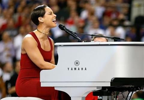 Alicia Keys Super Bowl Anthem 2 3 13 Super Bowl National Anthem Singing The National Anthem Old School Music