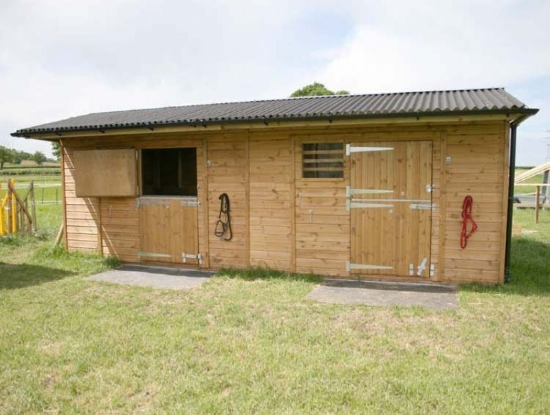 Mobile Horse Shelter : Mobile field shelters stables conversion kits