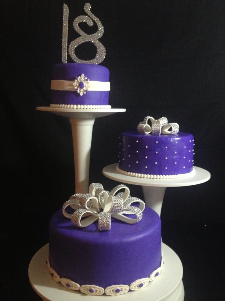 3 Tier Cakes On A Pillar Cake Stand Anniversary Cake 3 Tier Cake Tiered Cakes