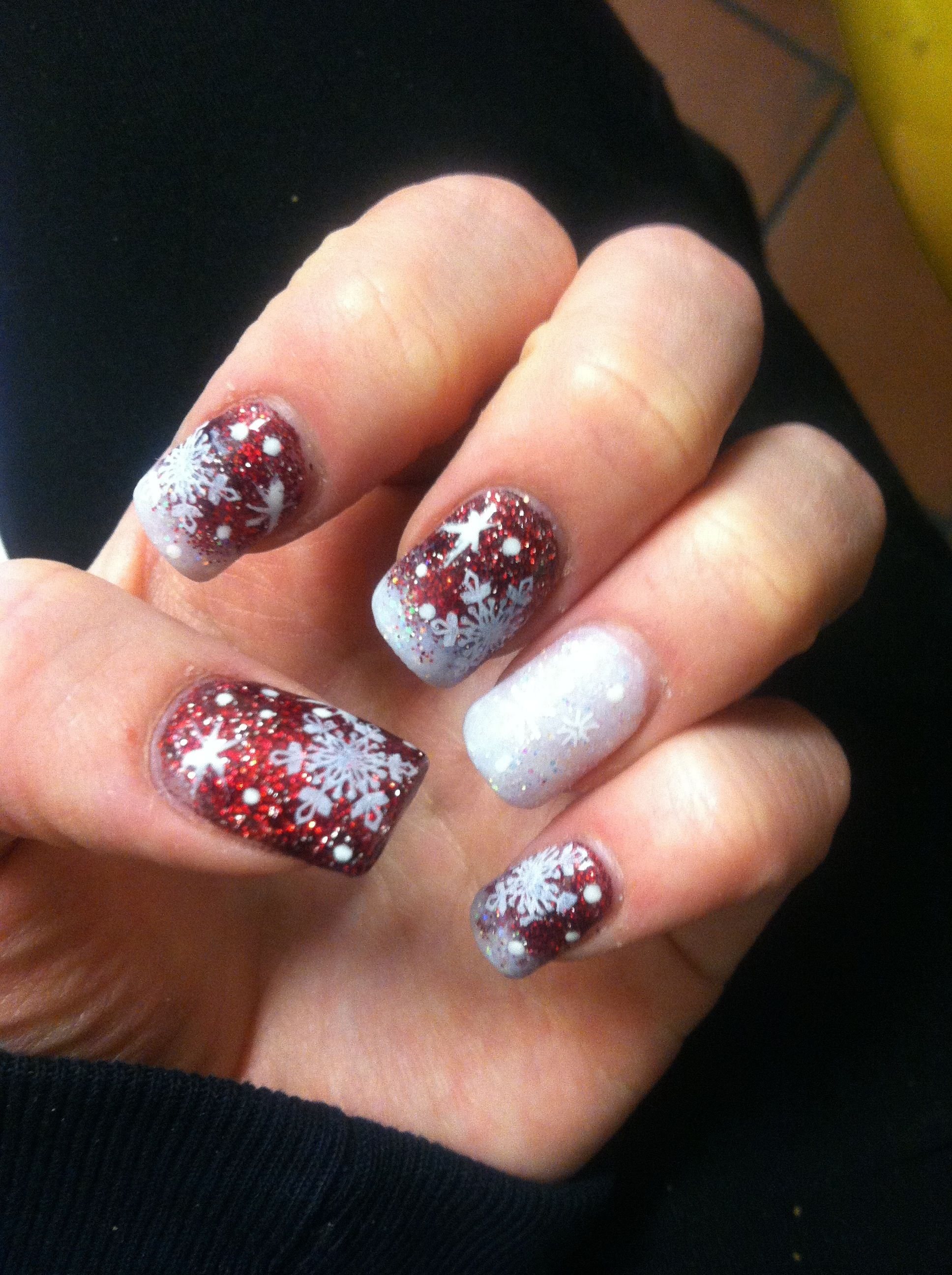 Christmas acrylic nail design! @Jenny Loftus #whitneymuhlestein ...