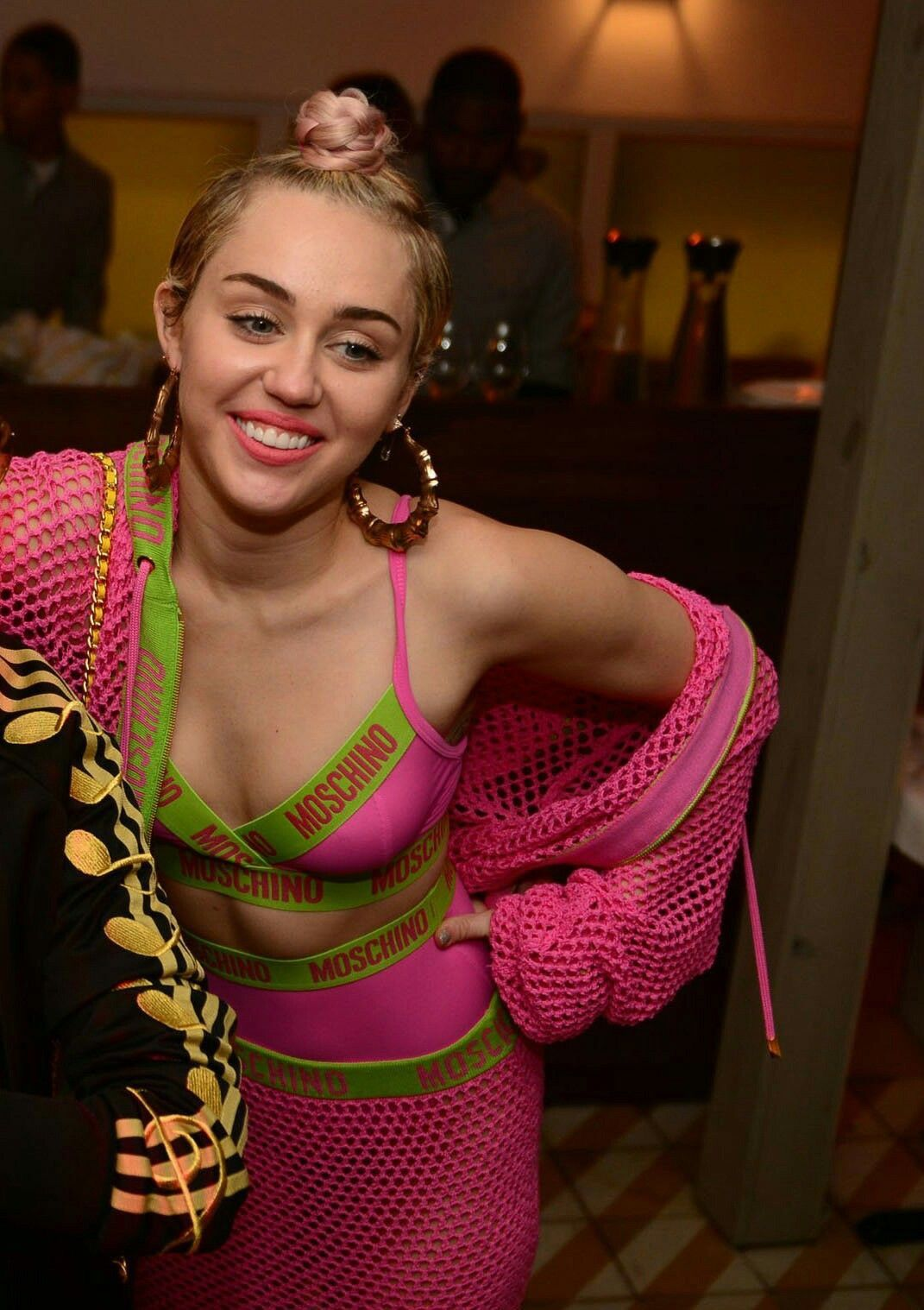naked girl: Miley Cyrus Hannah Montana iphone-size wallpapers