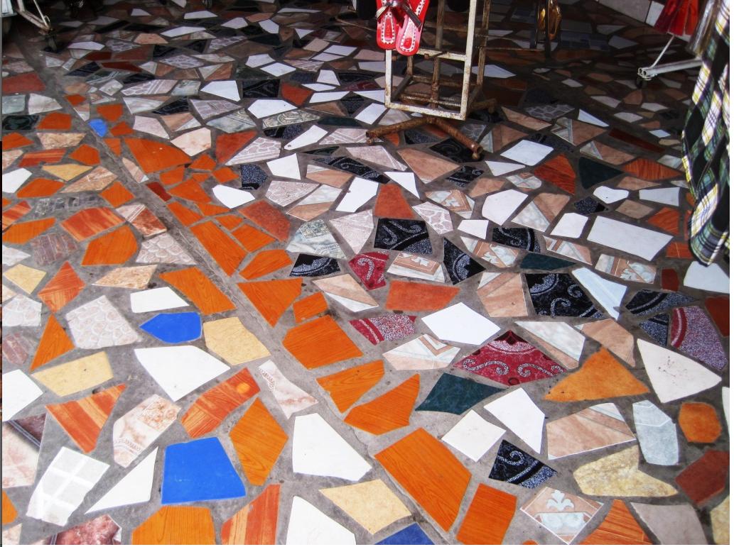 http://1.bp.blogspot.com/-LqoBEWbakC0/TcB3AaLw8hI/AAAAAAAACpo/JLyb0ki-DTA/s1600/IMG_2673.Rivas-c.jpg    Nicaraguan mosaic tile inspiration!