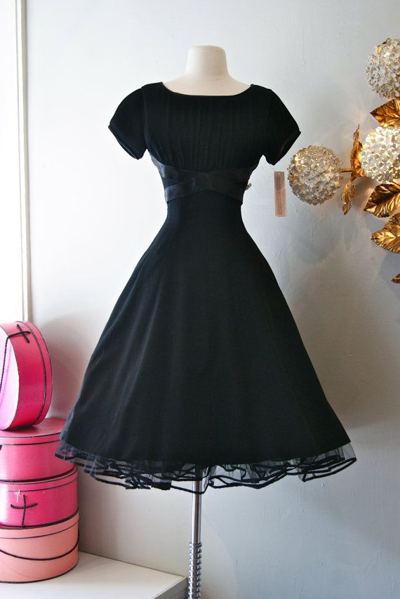8b80f21b80fb 50s Dress    Vintage 1950 s NEW LOOK Party Dress by xtabayvintage ...