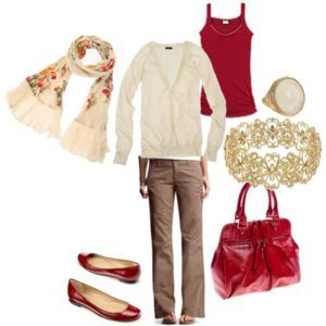 really love the neutrals with that pop of red...esp the red purse.