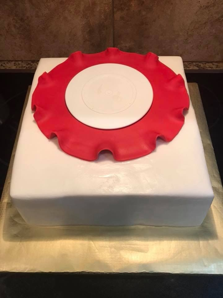 Fondant brim to red hat cake. The baked top hat was added on top of ...