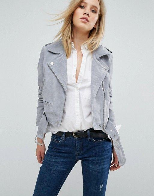 Outfit blazer gris claro mujer