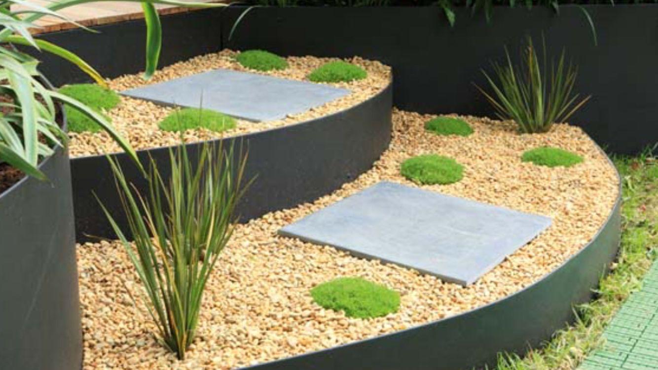 Curved steps by \'form boss\' edging. | Garden ideas | Pinterest ...