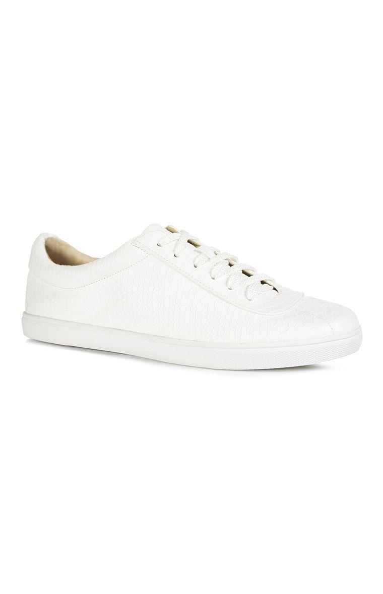 size 40 6300d b5dd2 Primark - Zapatillas bajas de polipiel blancas 13e