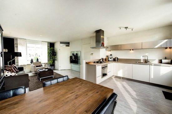 lichte woonkamer met open keuken | My apartment | Pinterest ...