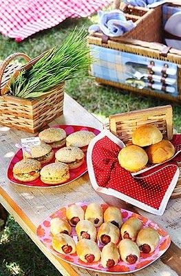 Mini-sandwiches for the pic-nic! pic.nic nel parco, magari il Parco fluviale del fiume Pesa dove si affaccia il nostro Mulino Mulino dell'Abate Appartamenti vacanze Holiday Home Chianti_Firenze www.mulinoabate.com