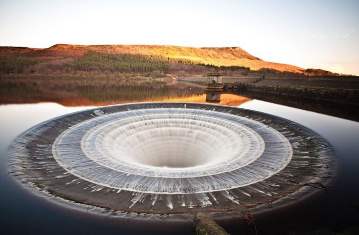 Dam Spillway, Ladybower Reservoir