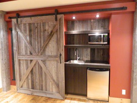 Id e cach galement la cuisine par une grande porte - Meuble cuisine porte coulissante ikea ...