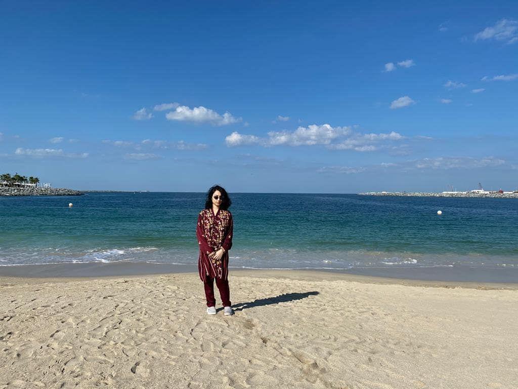Chilling at Jumeriah beace because life is all about enjoying the moments.  #jumeriahbeach  #DUBAI #travelstories  #travel #travelphotography  #beach #beachvibes #beachday