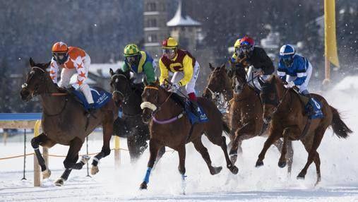 La carrera de caballos sobre hielo que asombra a celebridades y millonarios.  https://www.facebook.com/forohorses