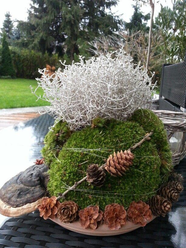 mooskugel blumen pinterest weihnachtsdeko aussen gartenkugeln und herbstkr nze. Black Bedroom Furniture Sets. Home Design Ideas