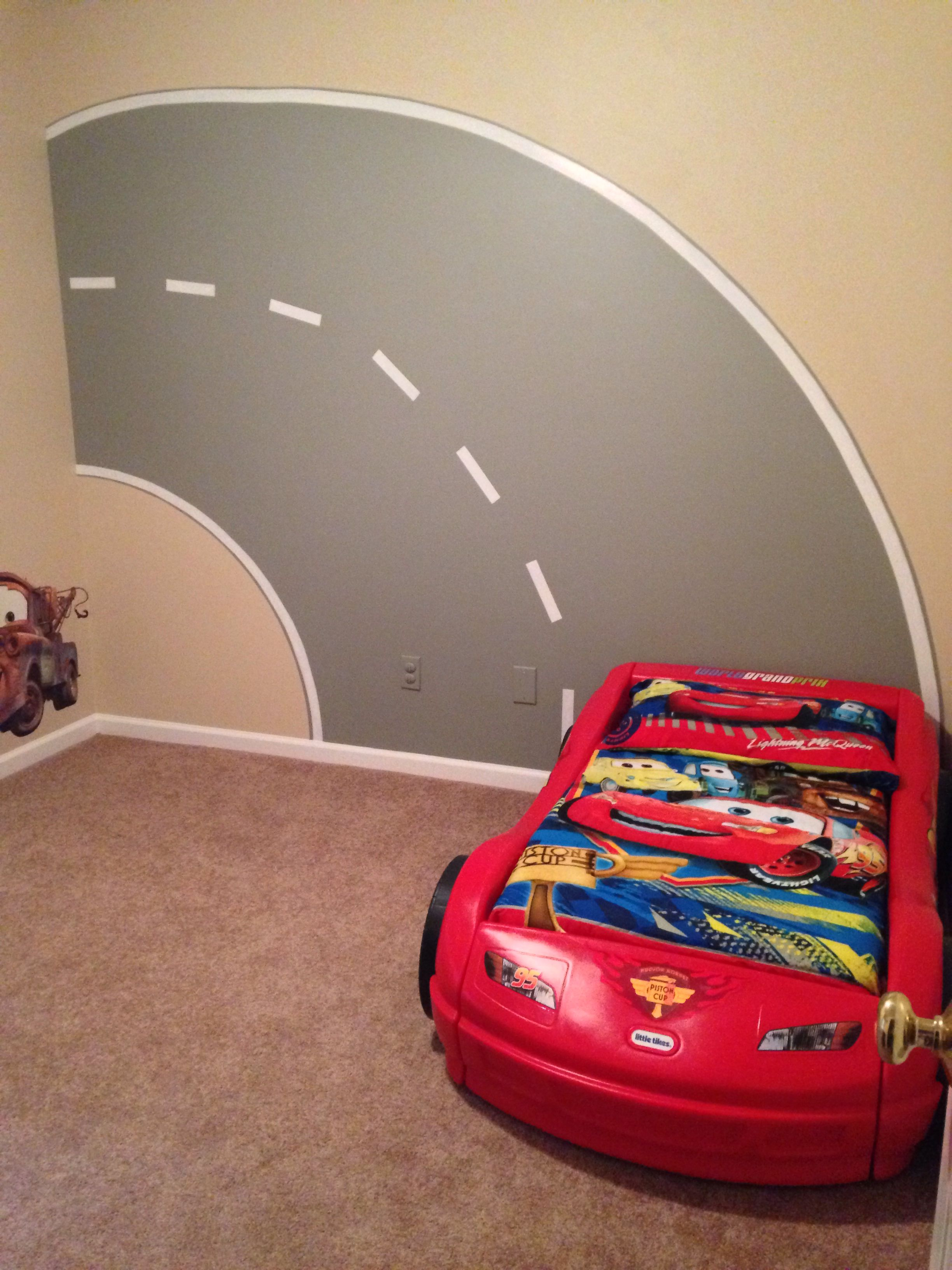 Disney Cars bedroom with the road mural I painted. #Cars bedroom ...