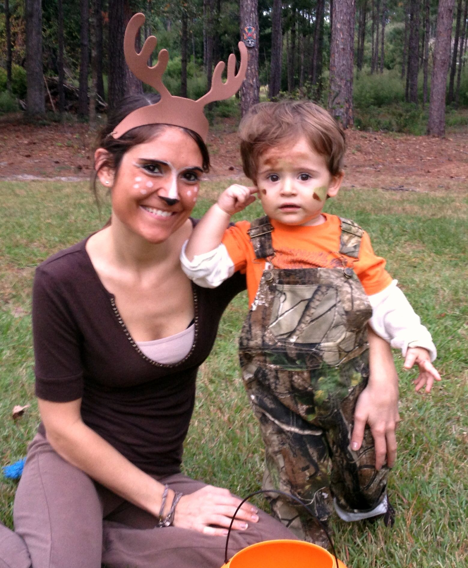 Halloween Costume Mom Older Boy 2020 Hunter and deer Halloween costume for mom and toddler | Mom