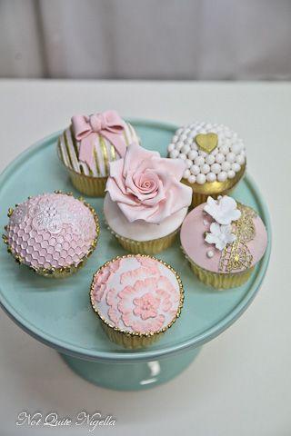 alice in wonderland vintage cupcakes - Google Search