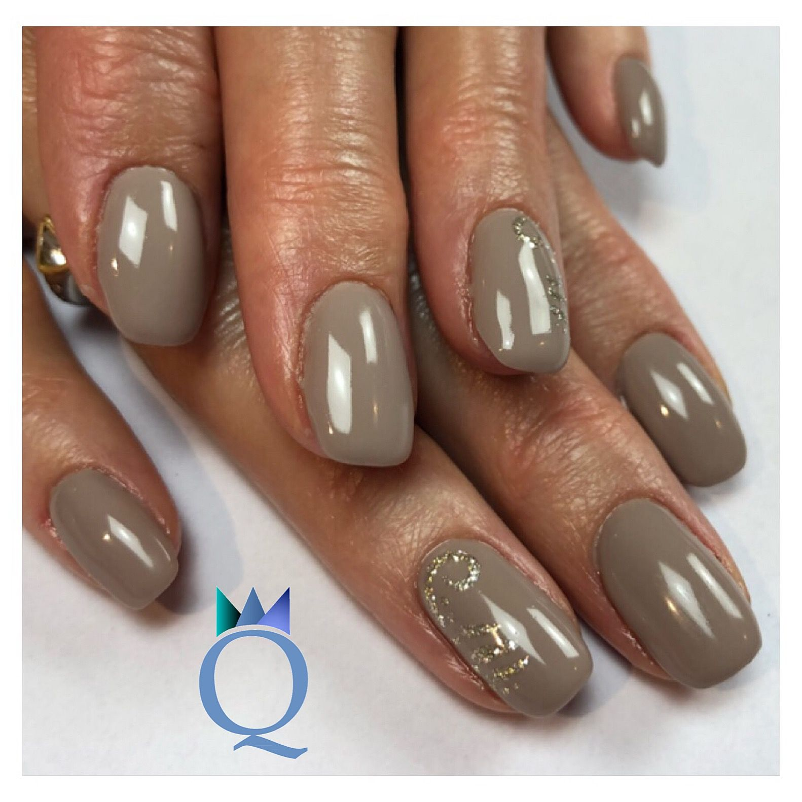 shortnails #gelnails #nails #taupe #handpainted #kurzenägel ...