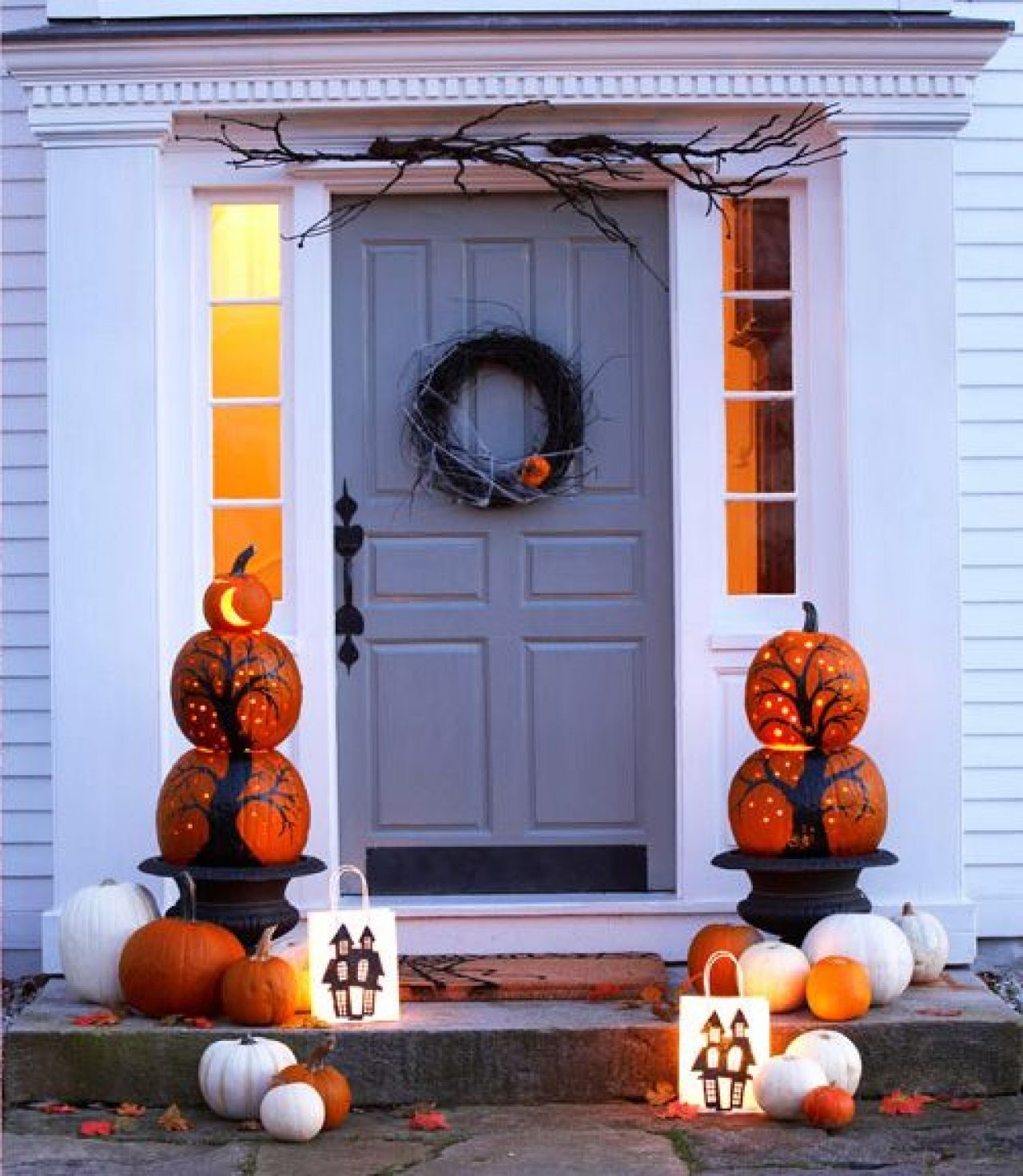 Halloween Begins (And Ends) With Your Front Porch | nousDECOR.com & Halloween Begins (and Ends) with Your Front Porch | Front porches ...