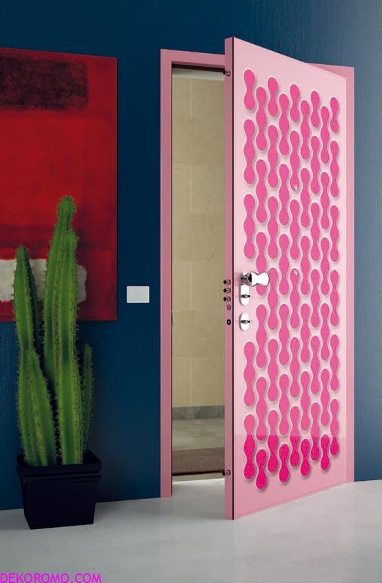 Navy walls and pink door.
