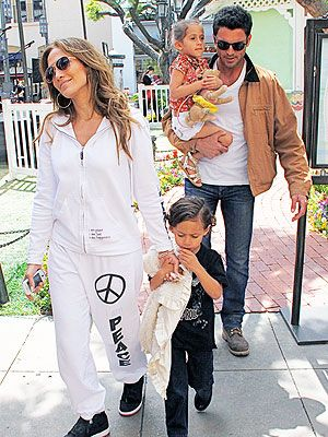 Jennifer Lopez Casper Smart With The Kids Jennifer Lopez Kids Jennifer Lopez Jennifer