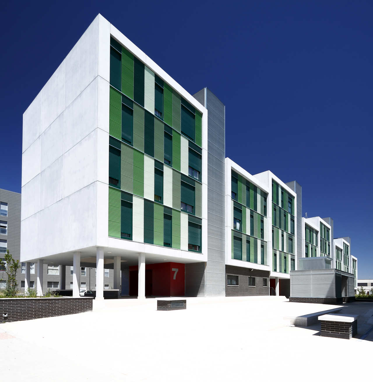 Nice Low Income Apartments: 120 Social Housing In Parla / Arquitecnica