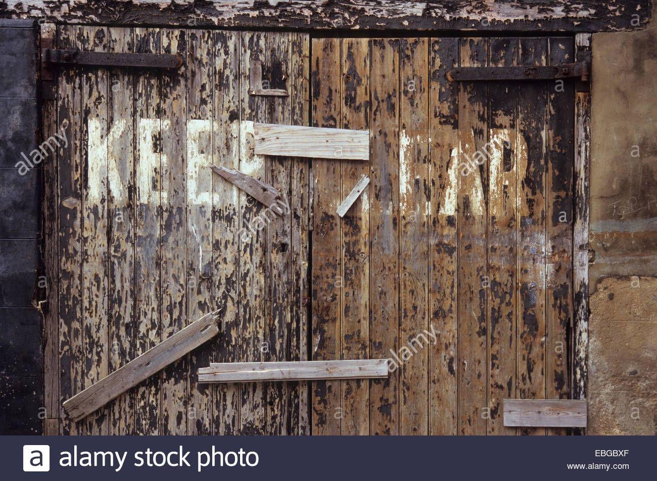 Wood double door rust commedesgarconsmademoiselle