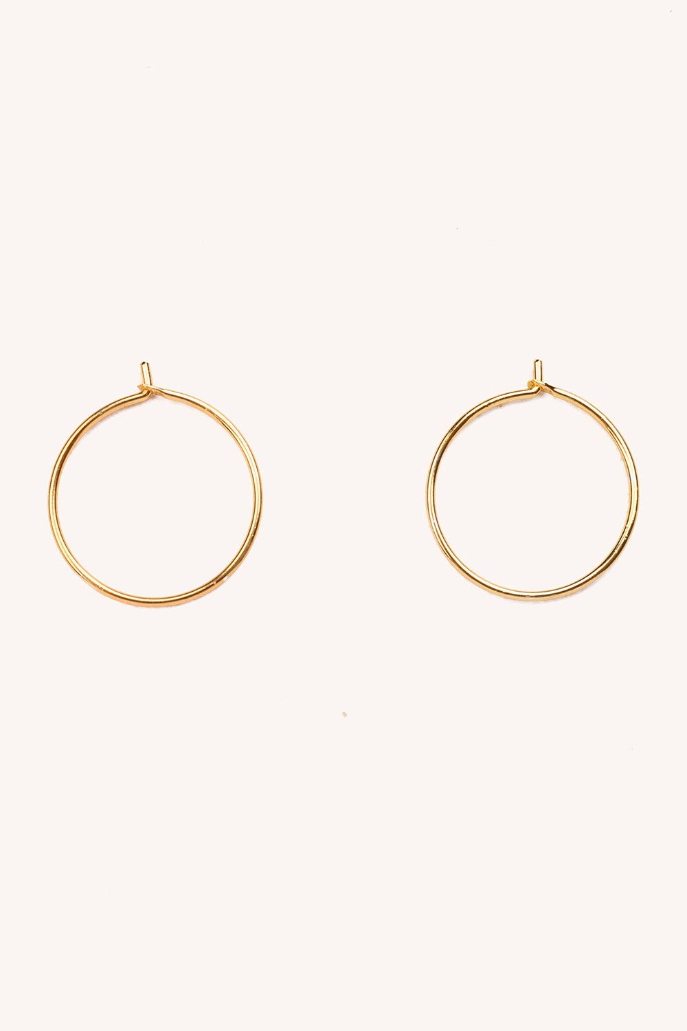 cd6ea0bd6 GOLDEN HOOP EARRINGS £3 Brandy Melville Outfits, Small Gold Hoops, Small  Gold Hoop
