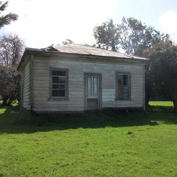 Abandoned House In Whangarei, NZ