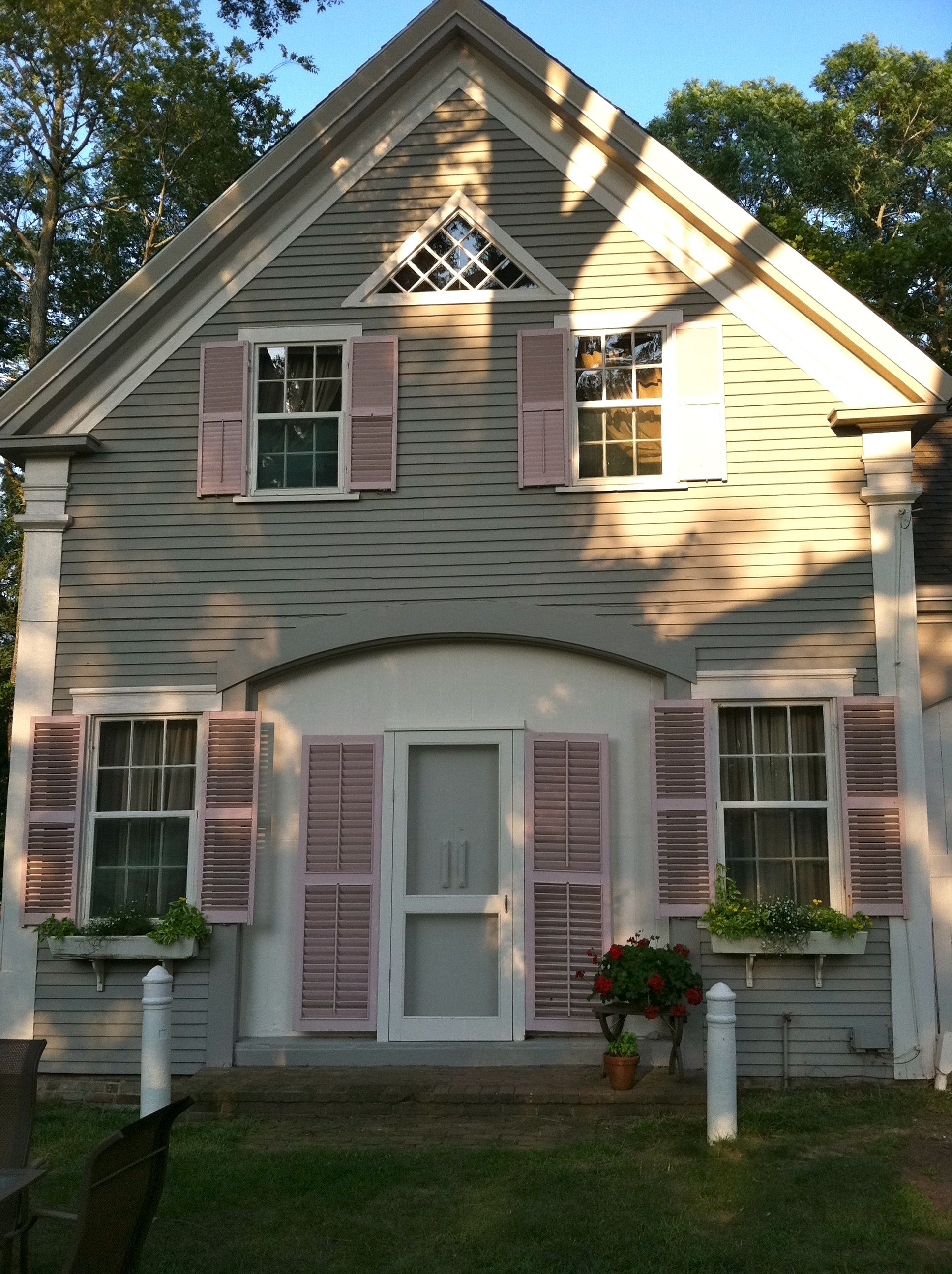 Greek Revival 1800's Cape Cod Carriage House for rent  Newly