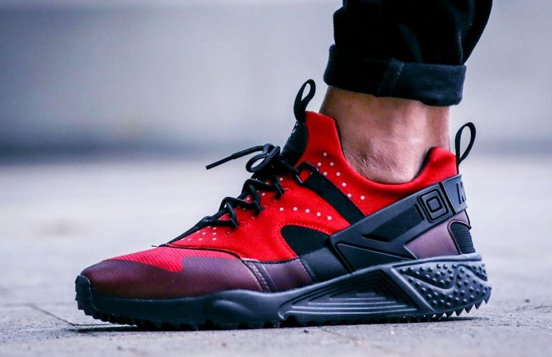 buy popular 3a9c0 e9791 NIKE AIR HUARACHE UTILITY  Gym Red  (via Kicks-daily.com)
