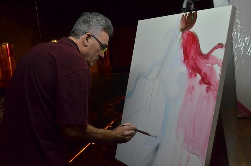 Pintando ao Vivo no LOVE connection D' IBIZA Expo Arte no dia 30/ Abril/ 2015 no Yabany convidado pelo DJ Paul Ross