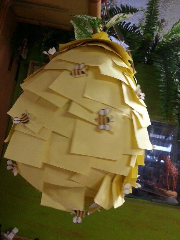Panal de abejas! ! Material-globo, pega, papel amarillo! !