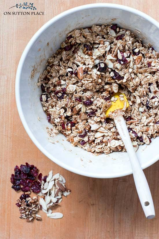Homemade Olive Oil Granola Recipe - On Sutton Place #oliveoils