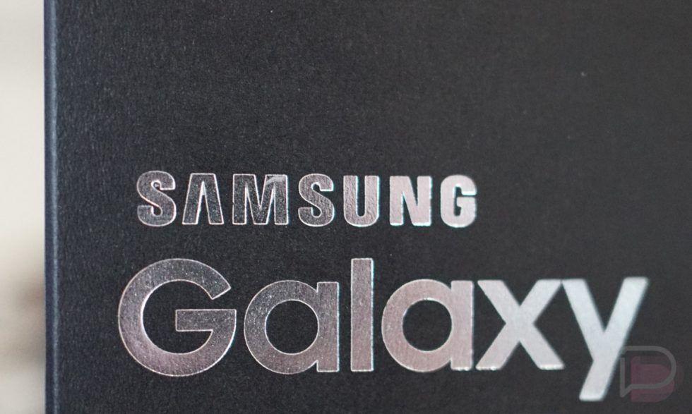 تسريب صور لصندوق جوال Galaxy S9 م دون عليه المواصفات Galaxy Fingerprint Reader Retail Box