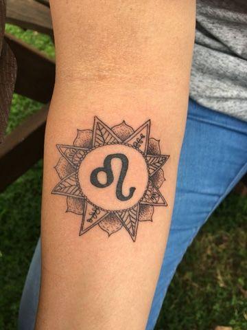 Delicados Y Sencillos Diseños De Tatuajes Del Signo Leo Tatuajes