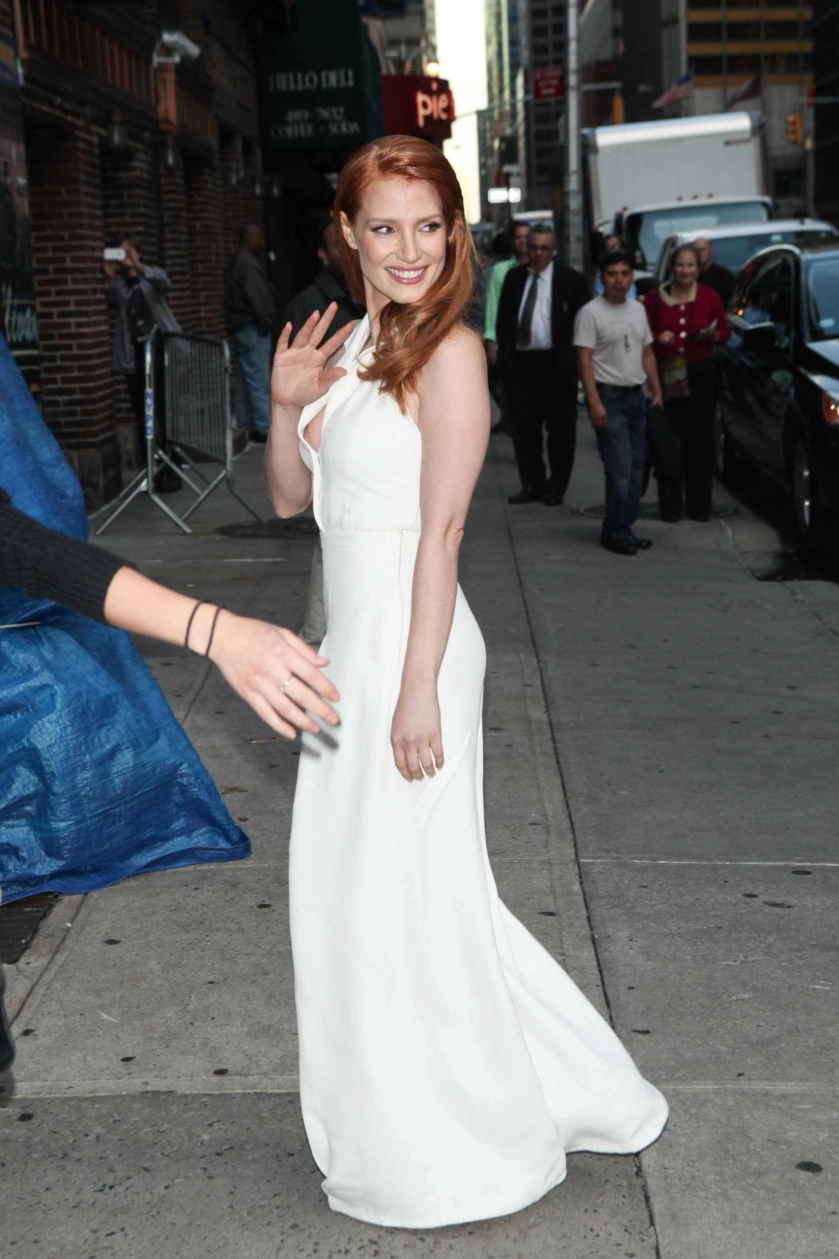 Jessica Chastain – 2014-10-16 – arriving at the 'Late Show with David Letterman' in New York (no. 3678)