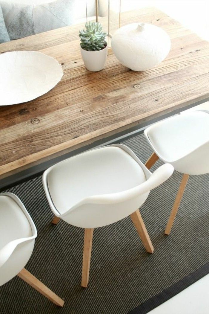 Tisch Aus Massivholz Weisse Stühle Küche In 2019