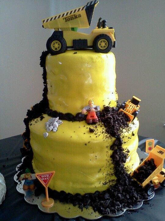 Construction cake I made for my best friends baby boy for his 1st