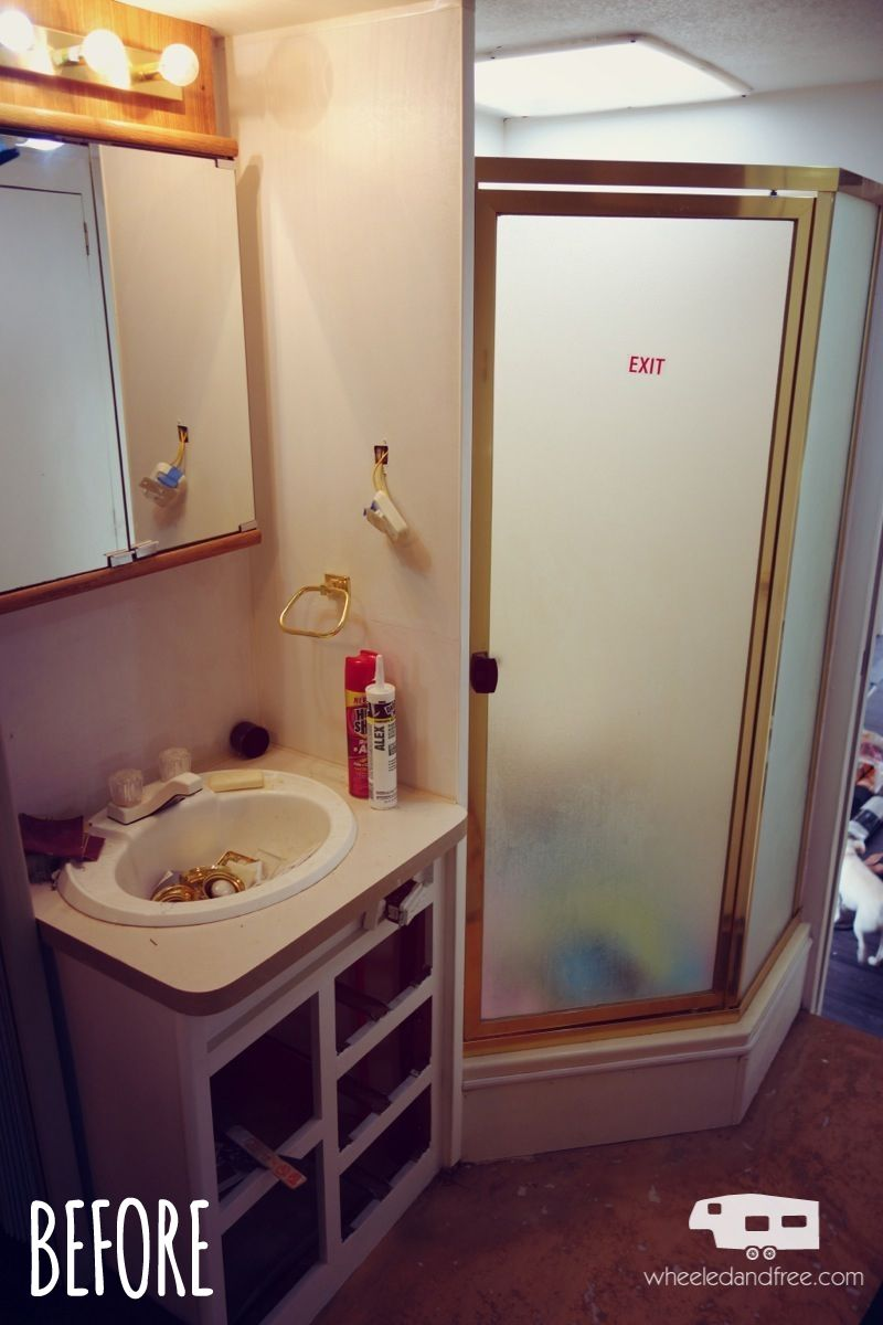 fifth wheel bathroom before renovation rv remodel pinterest rv rv bathroom and camper