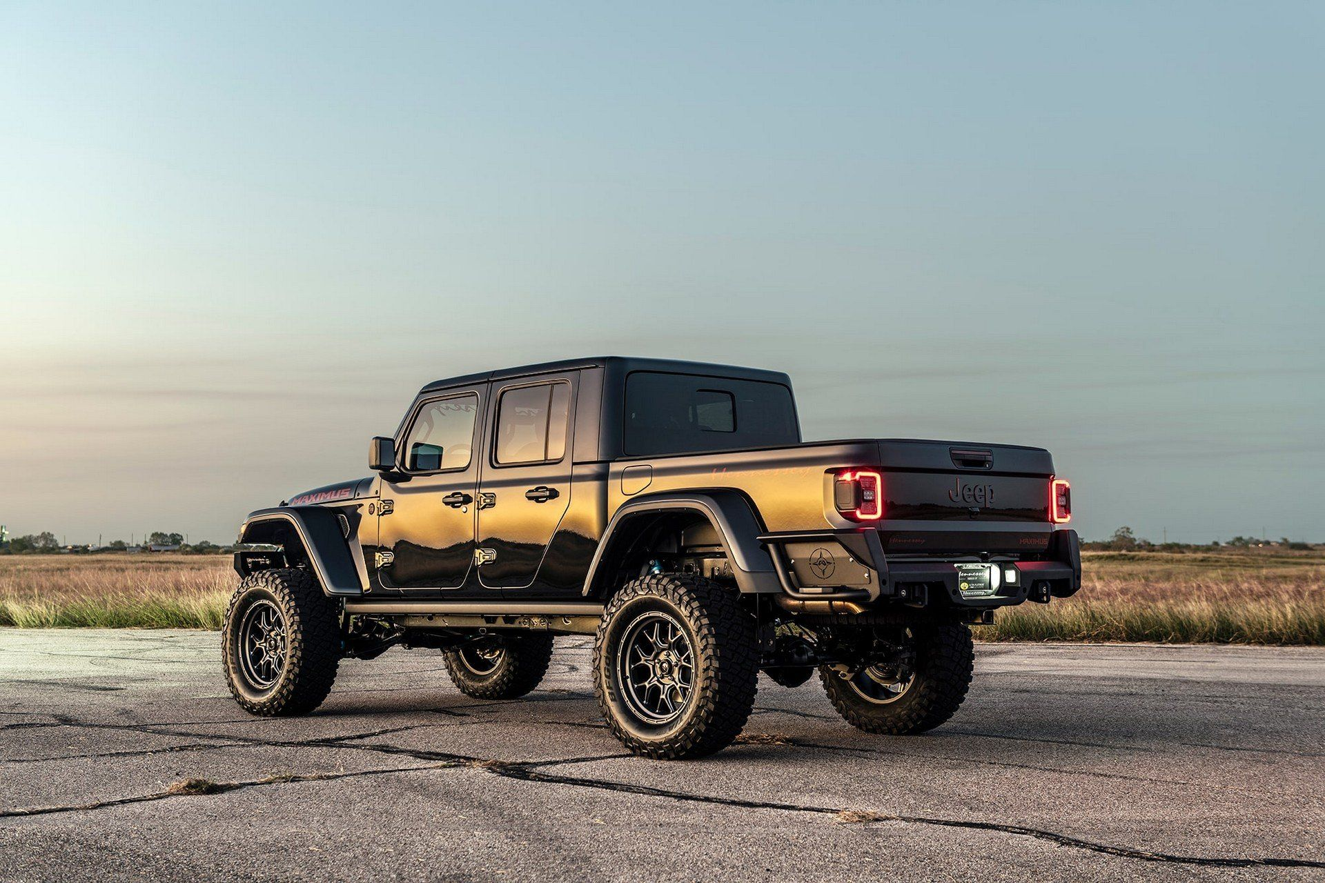 Hennessey Maximus The 1 000hp Jeep Gladiator Hellcat Is Here To Conquer It All Jeep Gladiator Jeep Hellcat