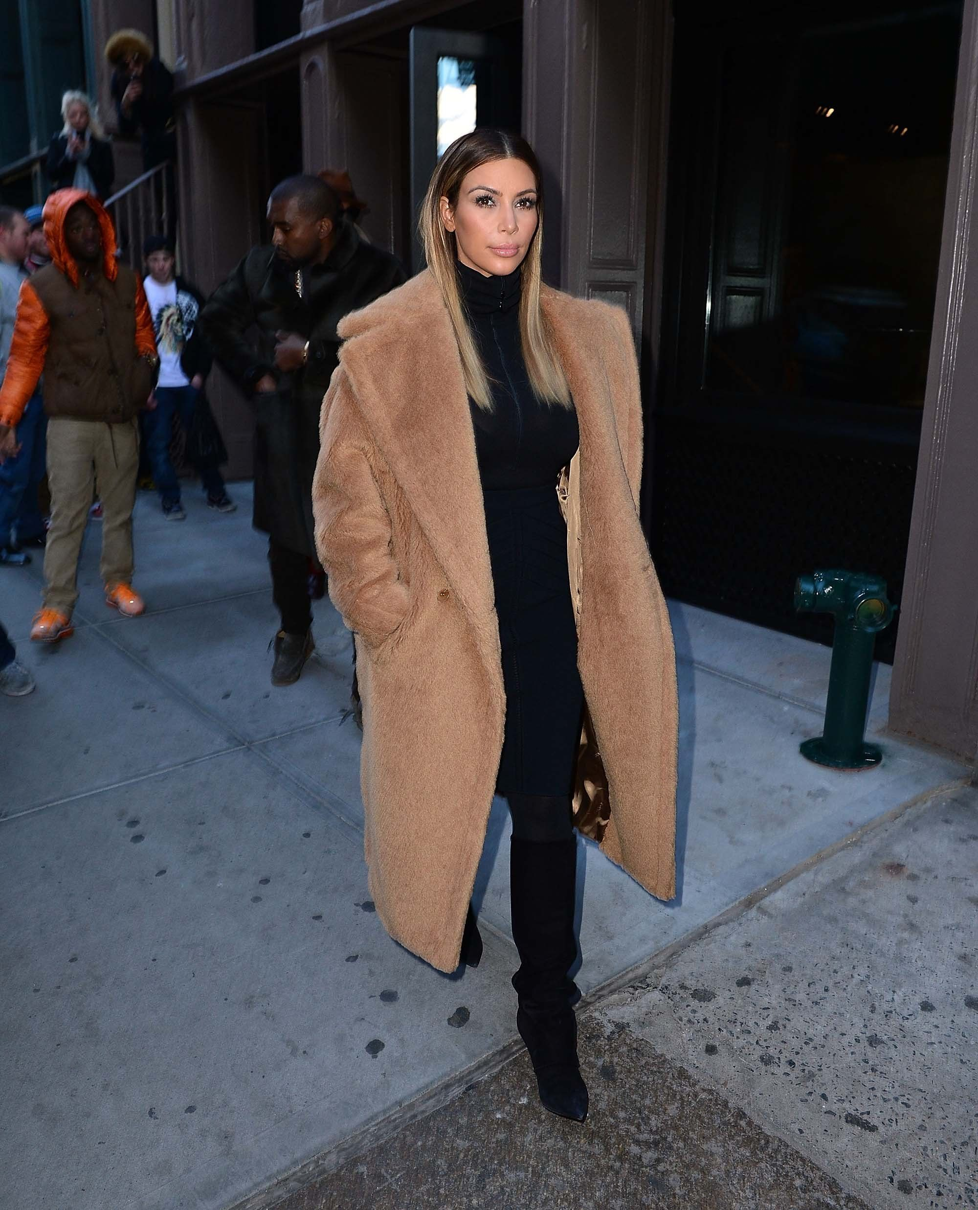 40d00b8af361 6 Times Kim Kardashian West Stopped Traffic in a Max Mara Coat
