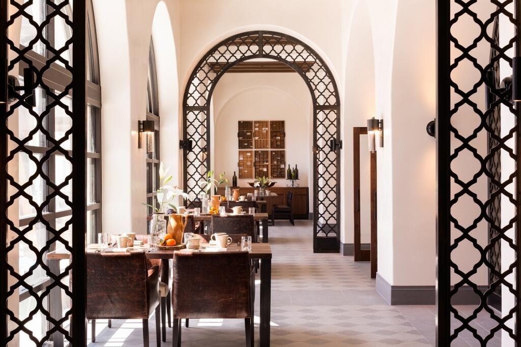 Watertablehb Restaurant Decor Restaurant Bar Restaurant