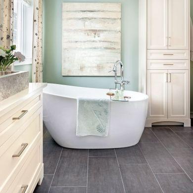 Douceur champêtre dans la salle de bain - Salle de bain - Avant - prise de courant dans salle de bain