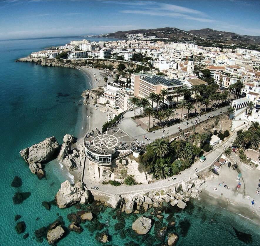 The Best Hotels In Nerja Spain Viajar Por España Lugares De España Pueblos De España