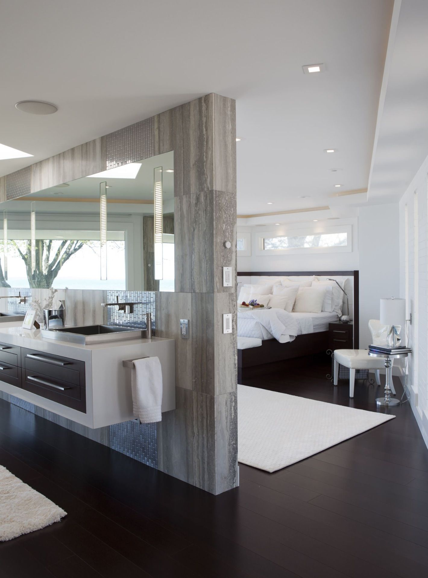 25 Open Concept Modern Floor Plans   HONEY I M HOME   Pinterest     Open wall to the master bedroom  Frosted glass looking into closets